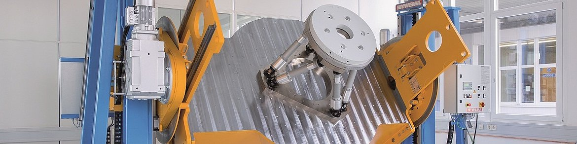 PI lifting and rotating equipment for heavy-duty hexapods